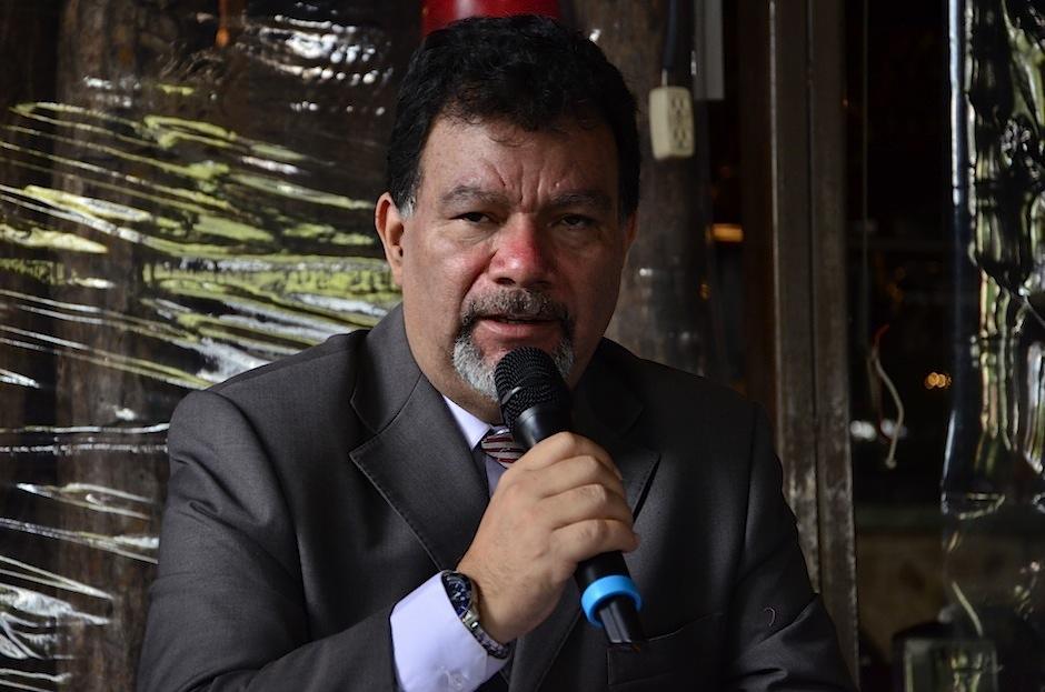 El maestro Marvin López acompaña el proyecto. (Foto: Selene Mejía/Soy502)
