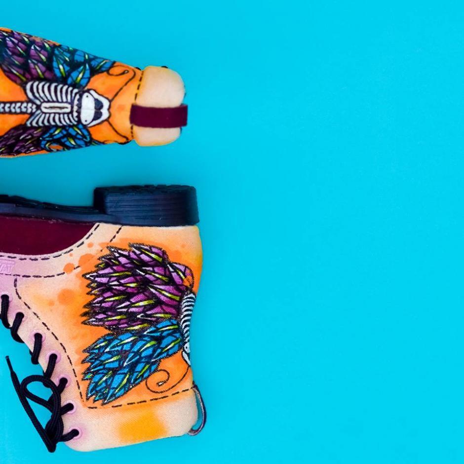Puedes tener a Dopezilla en tus zapatos. (Foto: Wanderlust Wear)