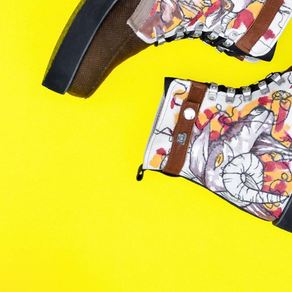 Asñi lucirán tus botas con el arte de Diego Cacacho. (Foto: Wanderlust Wear)