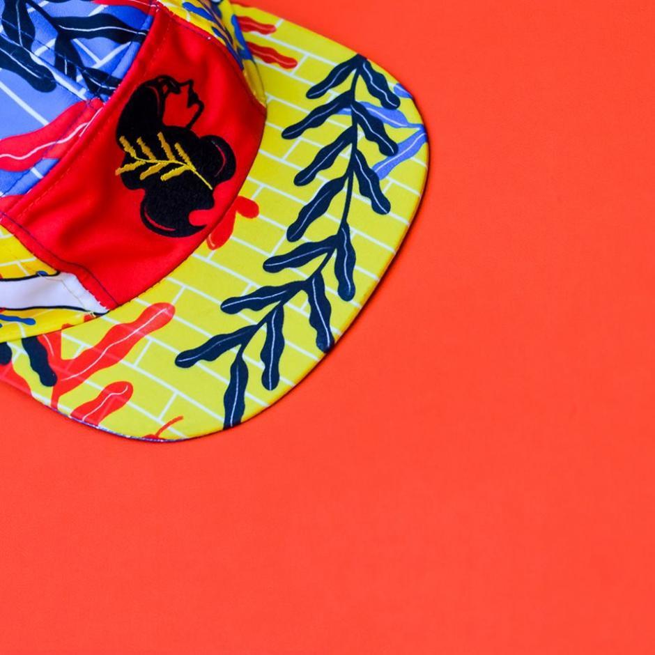 Protégete del sol con esta gorra personalizada por Lotus. (Foto: Wanderlust Wear)