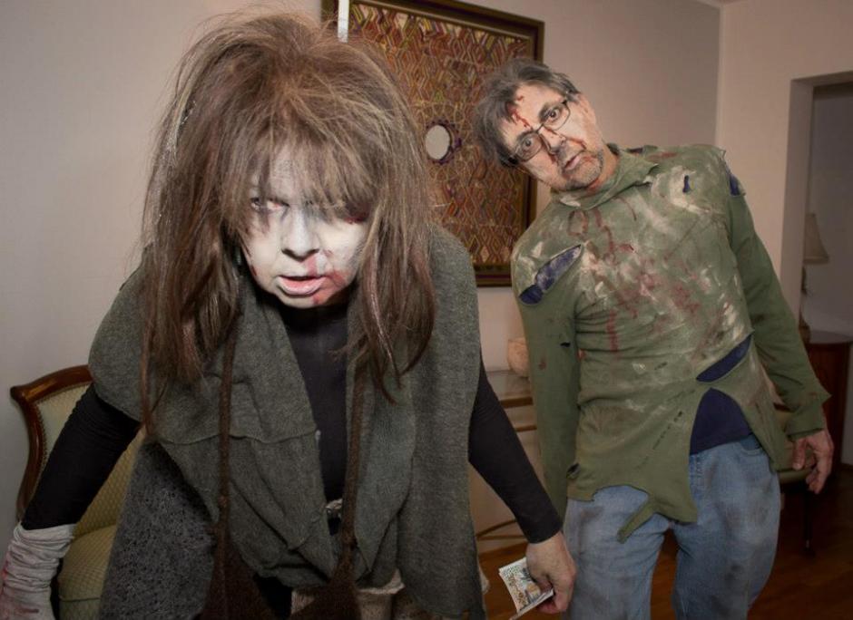 "Arreaga se disfrazó de ""zombie"" en Islandia. (Foto: US Embassy Reykjavik Iceland/Facebook)"