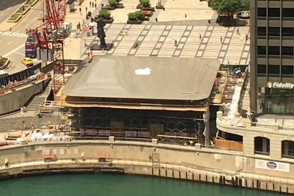 La construcción simula la icónica MacBook de Apple. (Foto: Expansión)