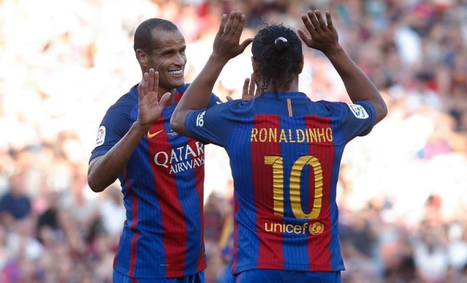 Rivaldo fue otro de los invitados al encuentro de leyendas. (Foto: AFP)