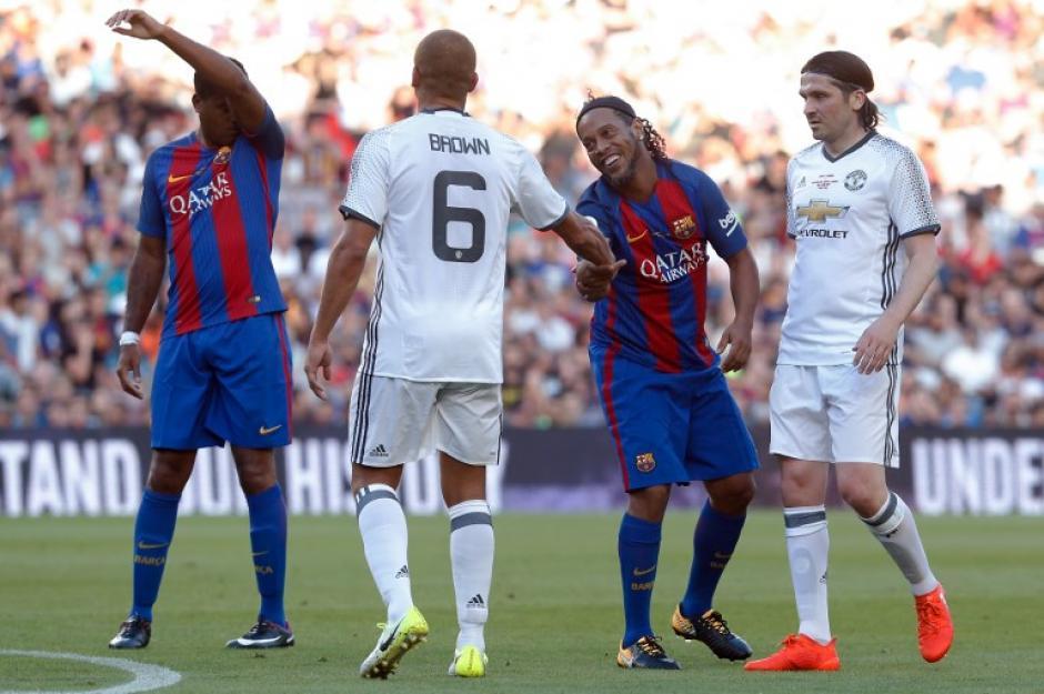 El Manchester United venció a las leyendas catalanas. (Foto: AFP)