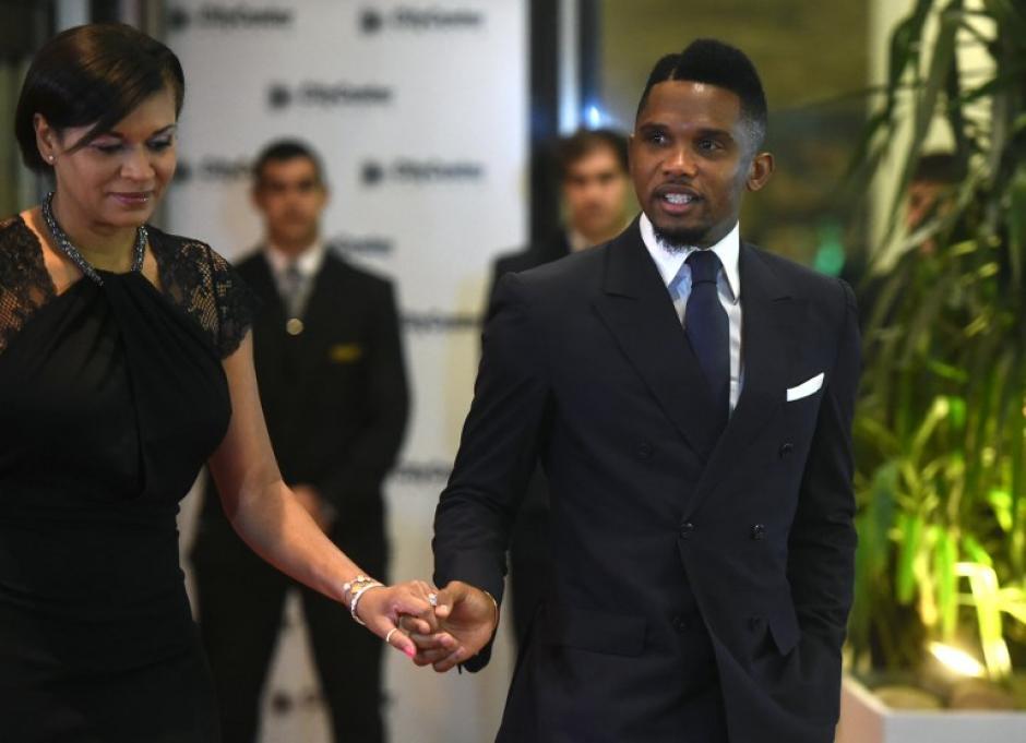 Samuel Eto'o fue el primero en pasearse por la alfombra roja. (Foto: AFP)