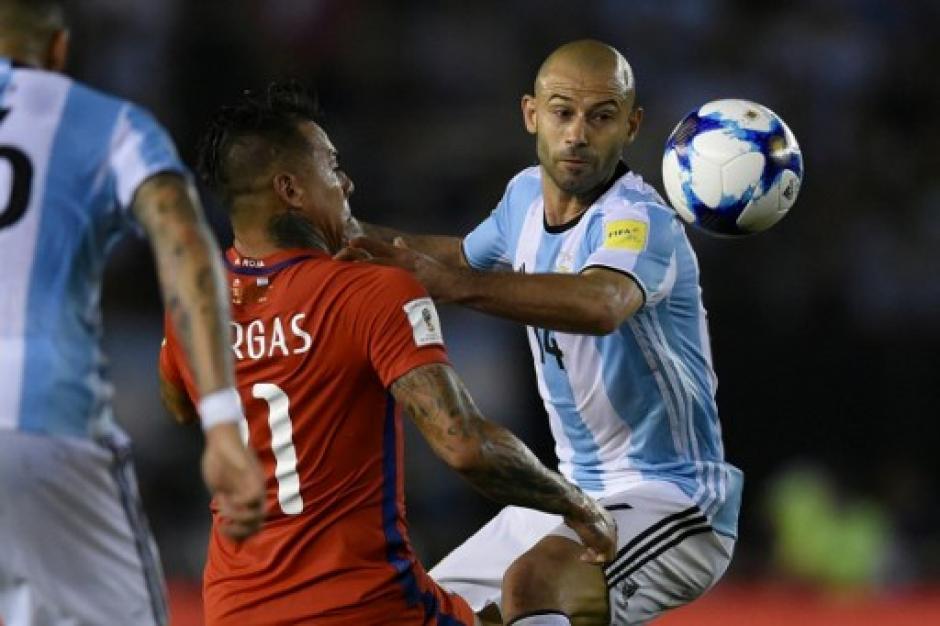 Mascherano fue mediocampista y jugó un buen partido. (Foto: AFP)