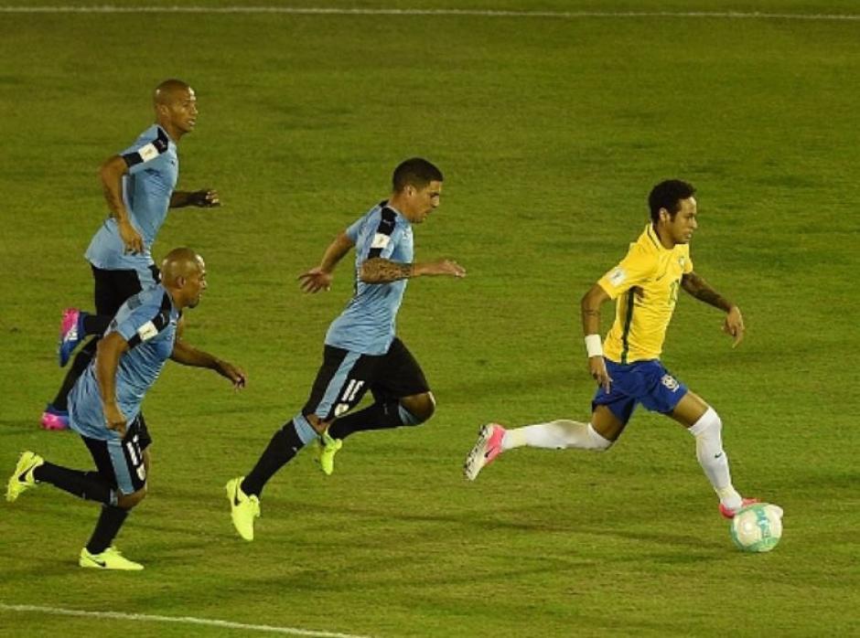 Esta foto describe como Brasil superó a Uruguay. (Foto: Twitter)