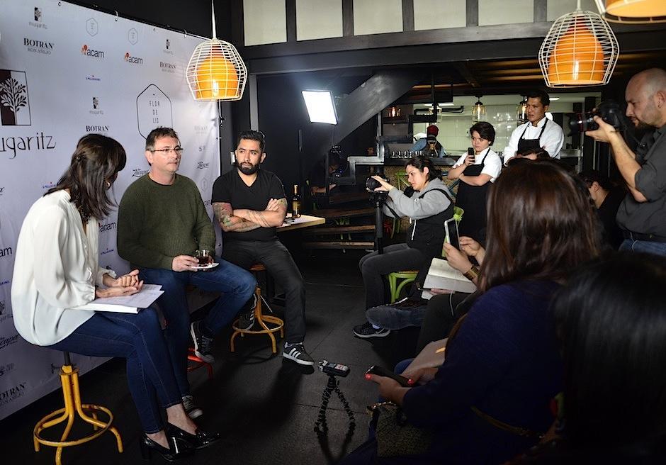 El chef español, ganador de dos estrellas Michelín, habló un poco de sus anécdotas. (Foto: Selene Mejía/Soy502)