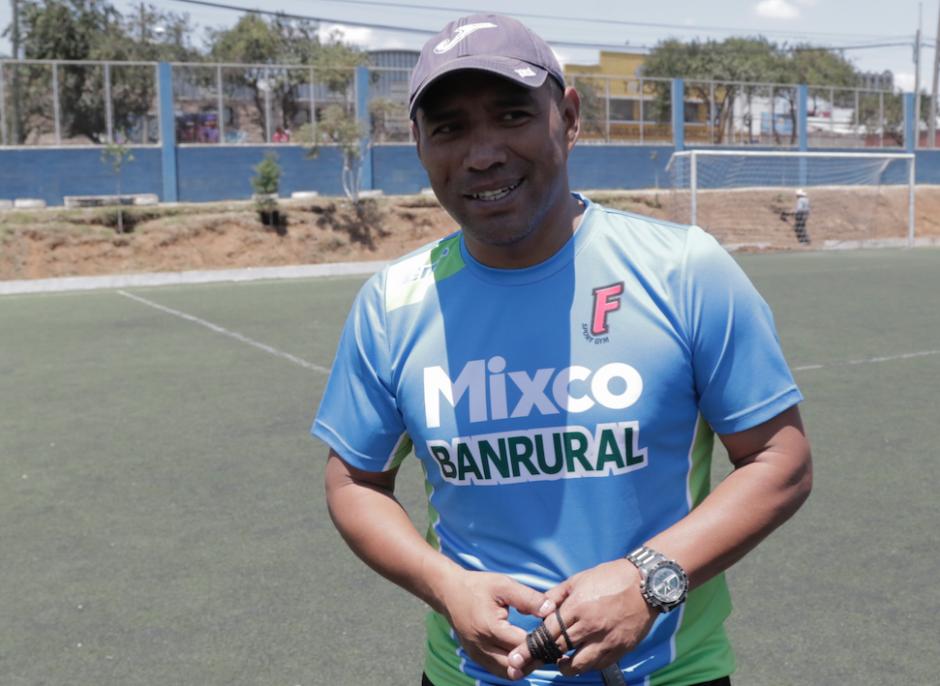 El Pin ya usó la camiseta de Mixco. (Foto: Alejandro Balán/Soy502)
