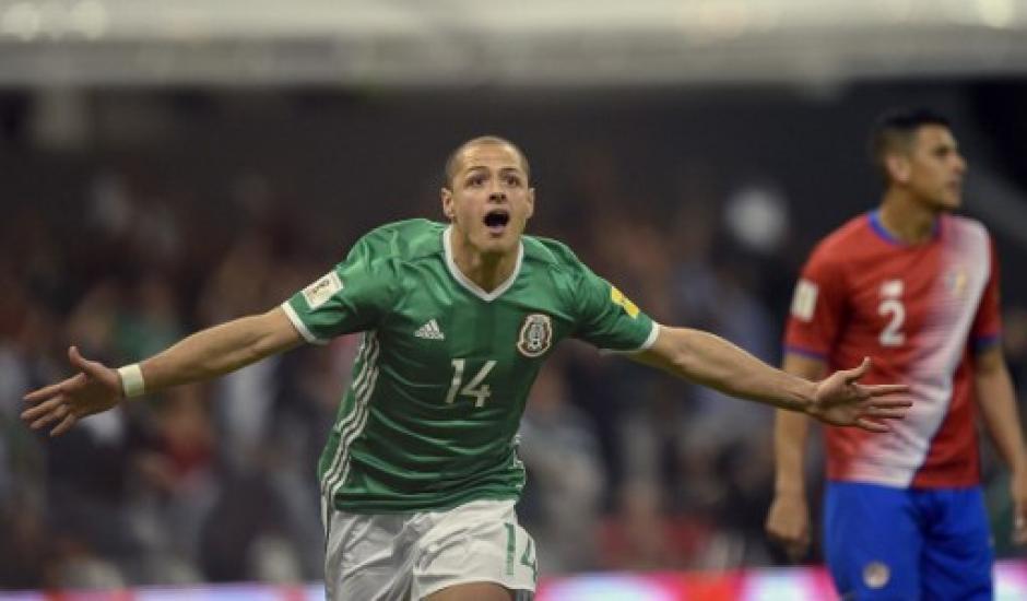 """Javier """"el Chicharito"""" Hernández festejó un gol más con México. (Foto: AFP)"""