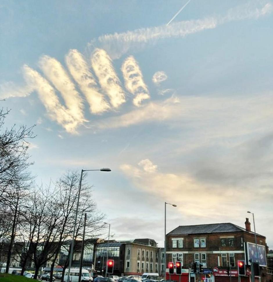 Los meteorólogos dicen que esto sucede con frecuencia en esta época. (Foto: Daily Mail)