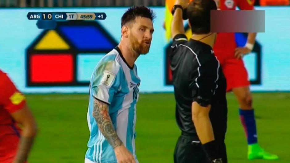 Messi insultó repetidamente a los árbitros. (Foto: Twitter)