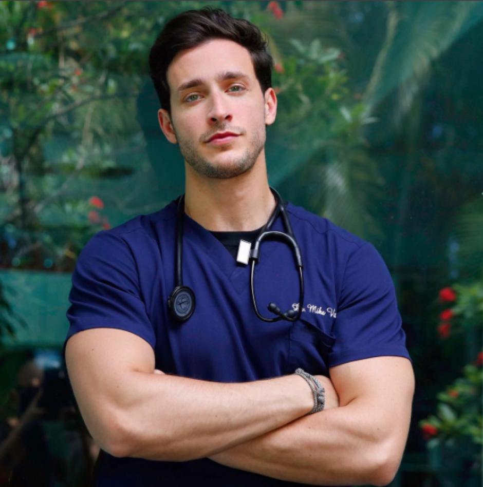 El título del doctor más sexy lo concedió la revista People en 2015. (Foto: Instagram)