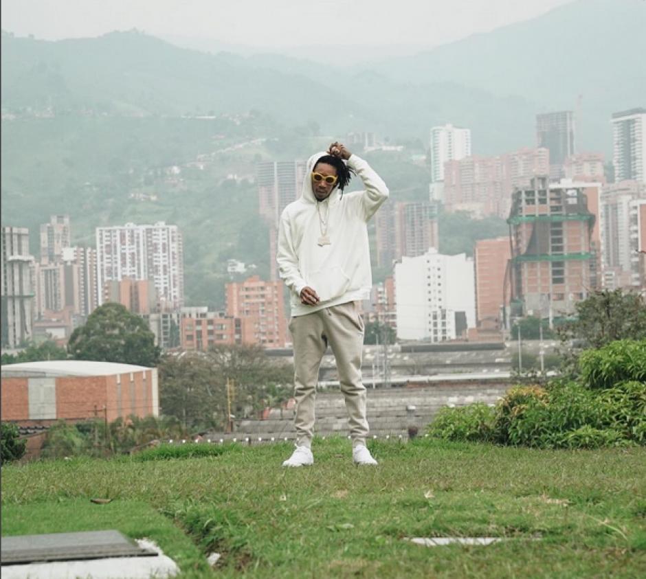 Wiz Khalifa visita la tumba de Pablo Escobar en Medellín, Colombia. (Foto: Instagram)