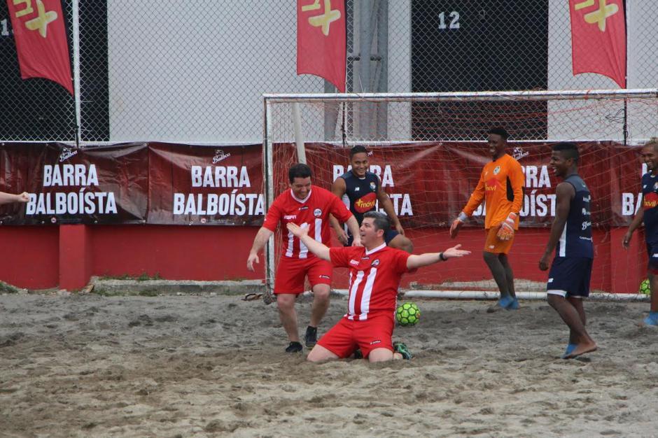 Fuera de Juego vence en penales a la sele de futplaya de Panamá. (Foto: Adán de Gracia/Fepafut)