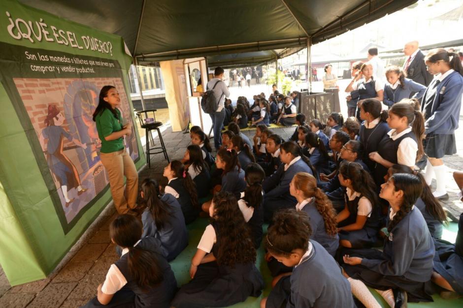 Se espera que unos 10 mil estudiantes de diversos centros educativos asistan a la actividad. (Foto: Wilder López/Soy502)