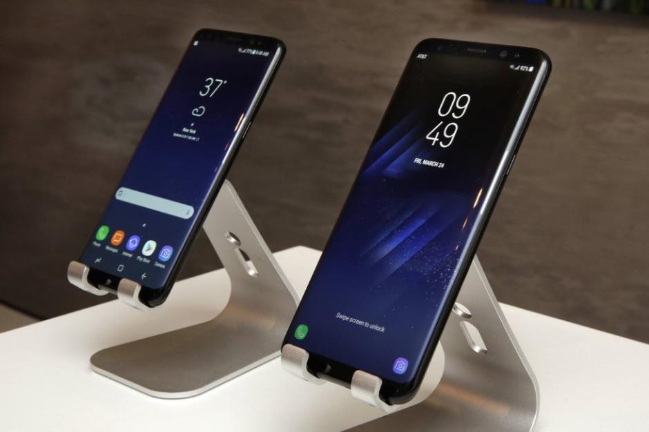Los nuevos dispositivos cuentan con una pantalla que acapara casi toda la superficie. (Foto: El País)