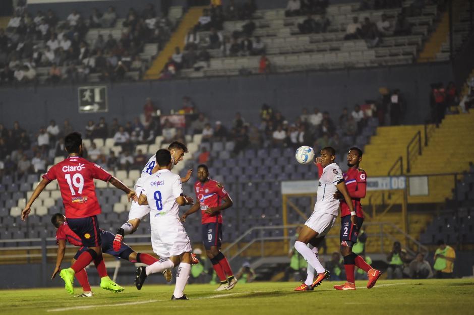 Xelajú le complicó el juego a Comunicaciones. (Foto: Luis Barrios/Soy502)