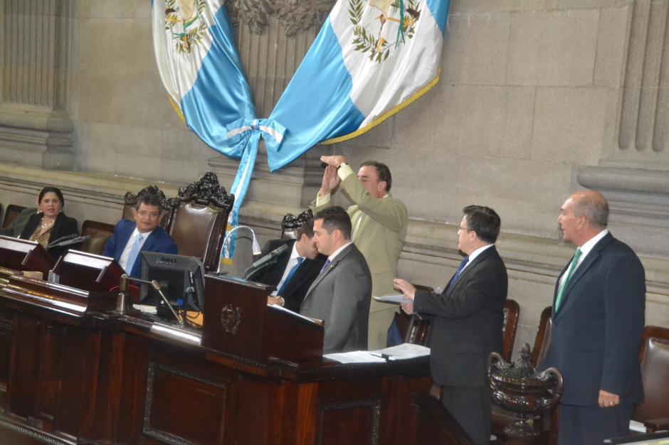 El parlamentario del PAN pidió que se cerrara la votación. (Foto: cortesía José Castro)