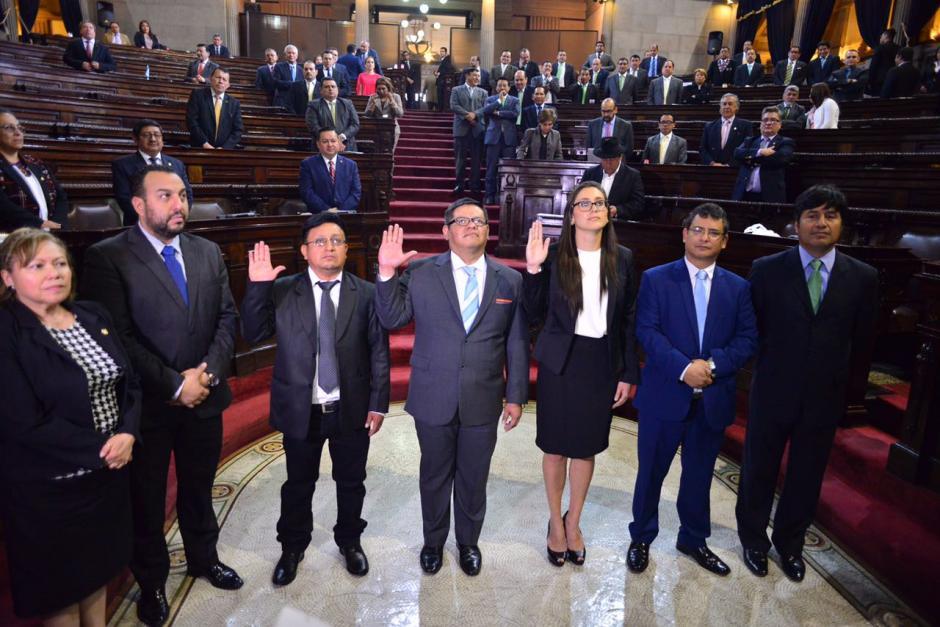 Tres diputados fueron juramentados en el Congreso y sustituirán a tres legisladores con problemas con la justicia. (Foto: Jesús Alfonso/Soy502)