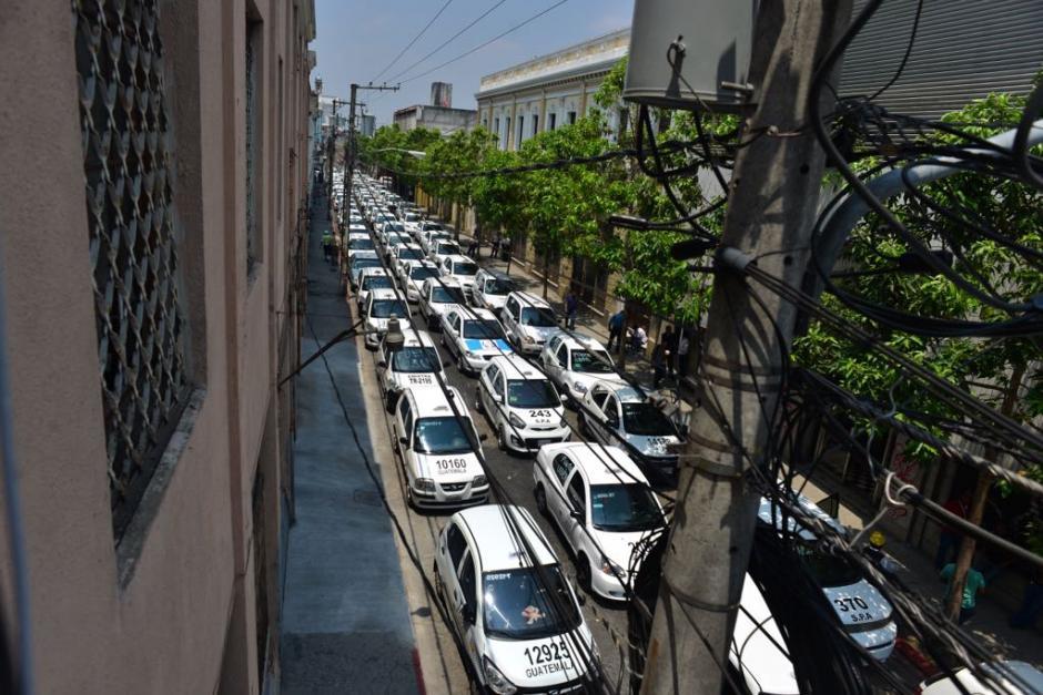 Los taxistas llegaron al Centro Histórico. (Foto: Jesús Alfonso/Soy502)