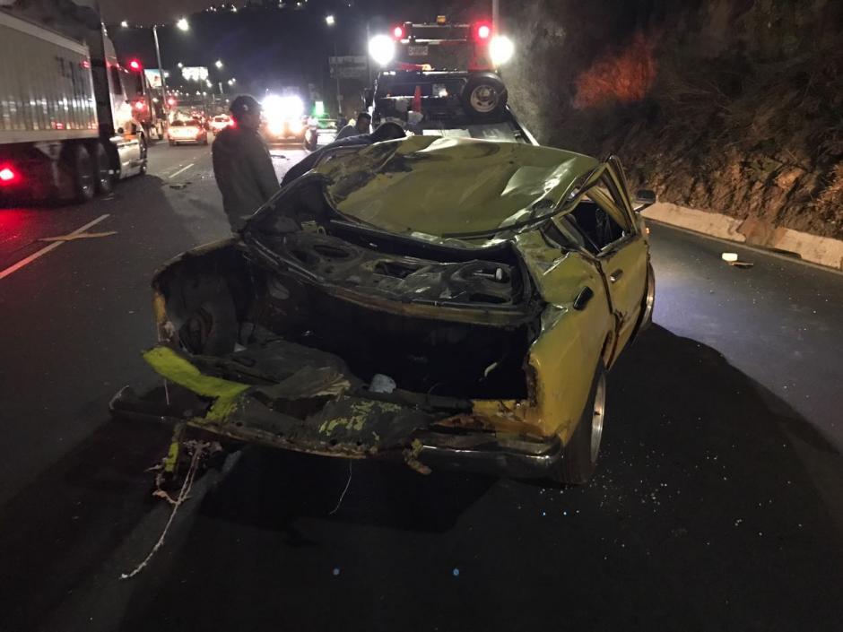 Según testigos, el conductor del carro amarillo iba a alta velocidad. (Foto: Héctor Linares)