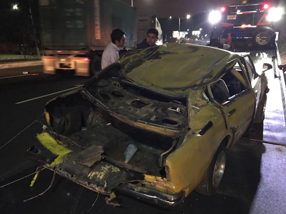 Así quedó el vehículo tras el impacto sobre la ruta de Villa Nueva a la capital. (Foto: Héctor Linares)