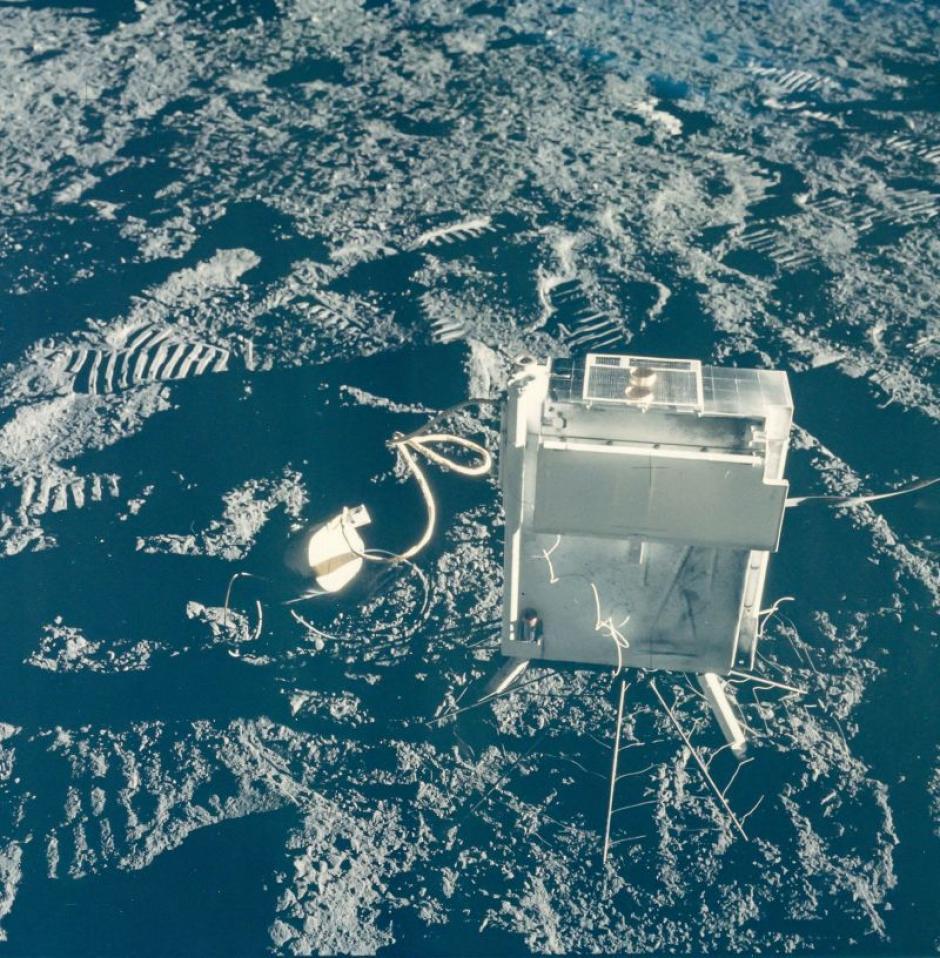 Medidor de la atmósfera y la ionosfera lunar de la misión Apolo 12 en noviembre de 1969. (Foto: NASA)