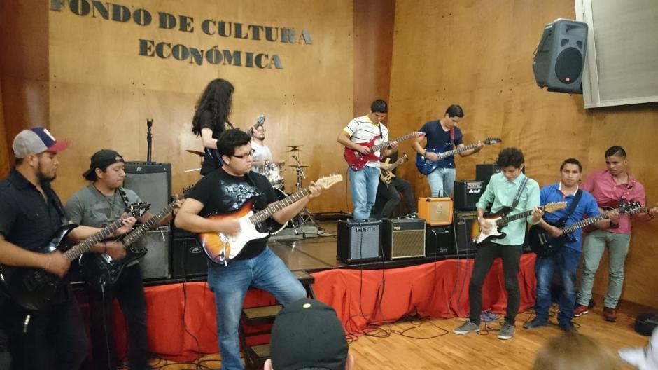 Los estudiantes con carné tienen 50 % de descuento en la entrada. (Foto: Guitar Institute of Guatemala)
