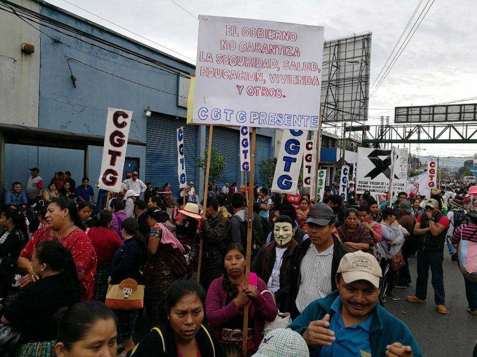 Decenas de personas se sumaron a la convocatoria. (Foto: Wilder López/Soy502)