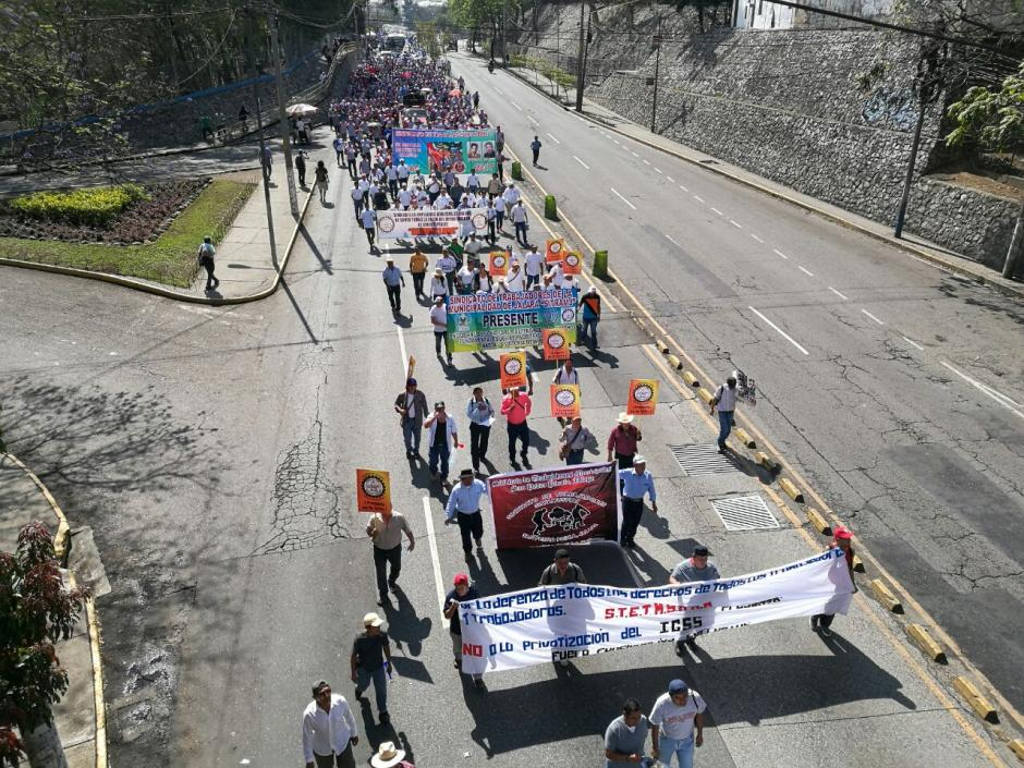 Marcha avanza por la zona 4. (Foto: Wilder López/Soy502)