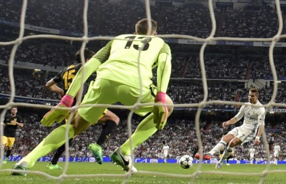 Oblak poco o nada pudo hacer contra CR7 y el Real Madrid. (Foto: AFP)