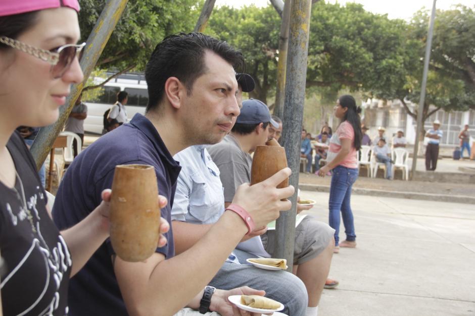 Los pobladores de ese lugar preparan una bebida a base de maíz y manía. (Foto: Fredy Hernández/Soy502)