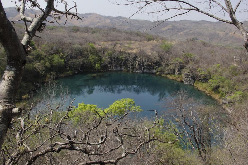 En el camino te encontrarás con otro cenote de difícil acceso. (Foto: Fredy Hernández/Soy502)