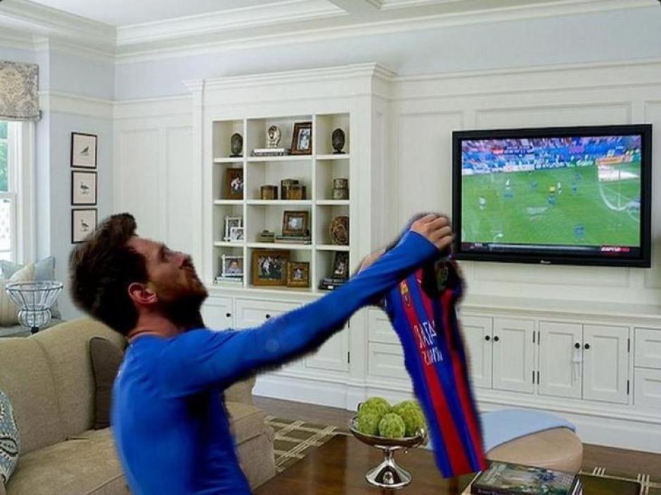 Messi observando las semis de la Champions. (Foto: Twitter)