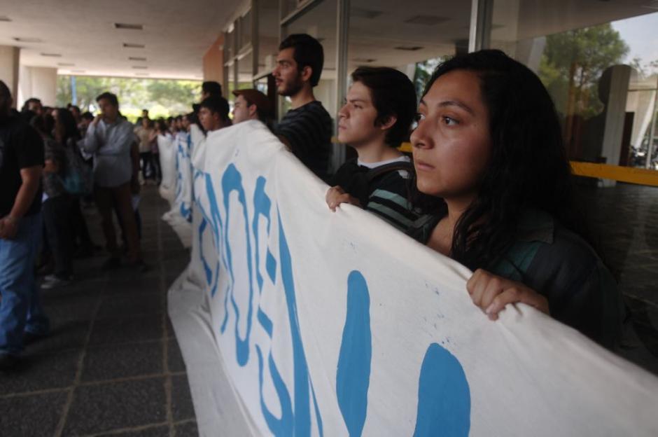 Los estudiantes rechazan a las autoridades de la AEU. (Foto: Jesús Alfonso/Soy502)