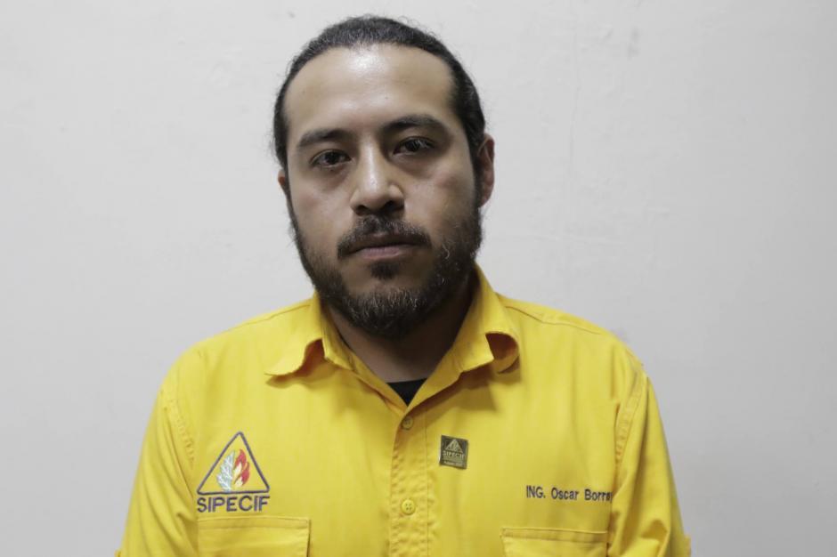 Óscar Borrayo tiene tres años de trabajar en la cuadrilla de Chimaltenango. (Foto: Alejandro Balán/Soy502)