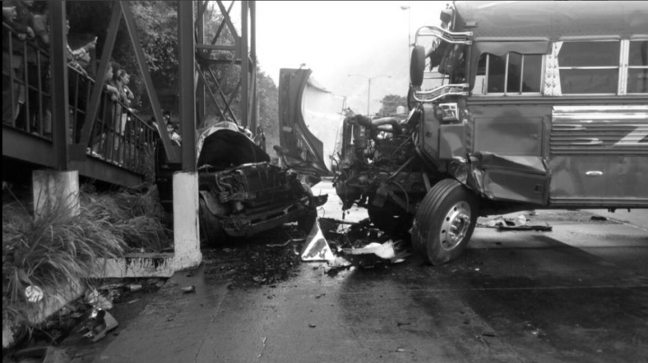 Así quedó el bus que se accidentó en la ruta al Pacífico. (Foto: Provial)
