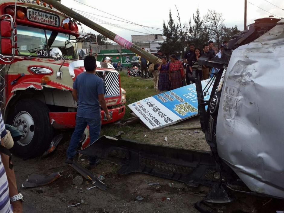 Una persona fue trasladada a un centro asistencial tras el impacto. (Foto: Dalia Santos)