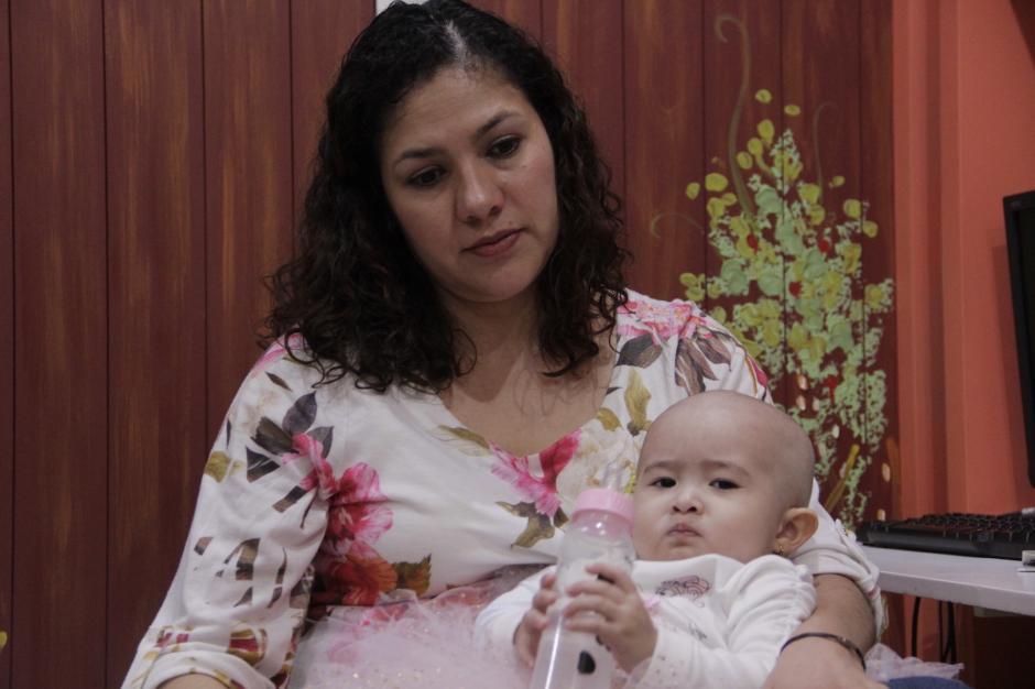 Aunque la enfermedad vino a cambiar su vida, la familia lucha para sobreponerse. Foto: Fredy Hernández/Soy502)