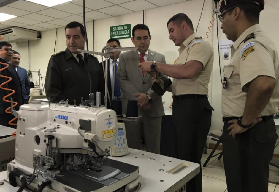 El ministro de la Defensa acompañó la visita. (Foto: Gobierno)