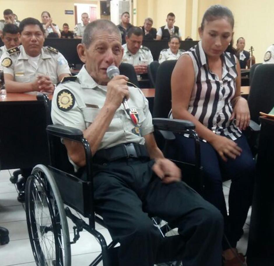 Sinforoso García Calvillo se jubiló de la PNC luego de 56 años de servicio. (Foto: PNC)