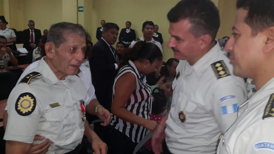 García Calvillo fue condecorado con la Cruz de Plata. (Foto: PNC)