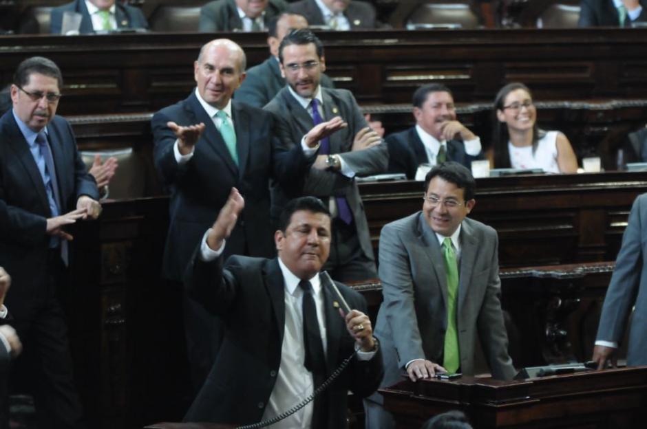 El diputado Estuardo Galdámez es señalado de golpear a un empleado del Legislativo. (Foto: Jesús Alfonso/Soy502)