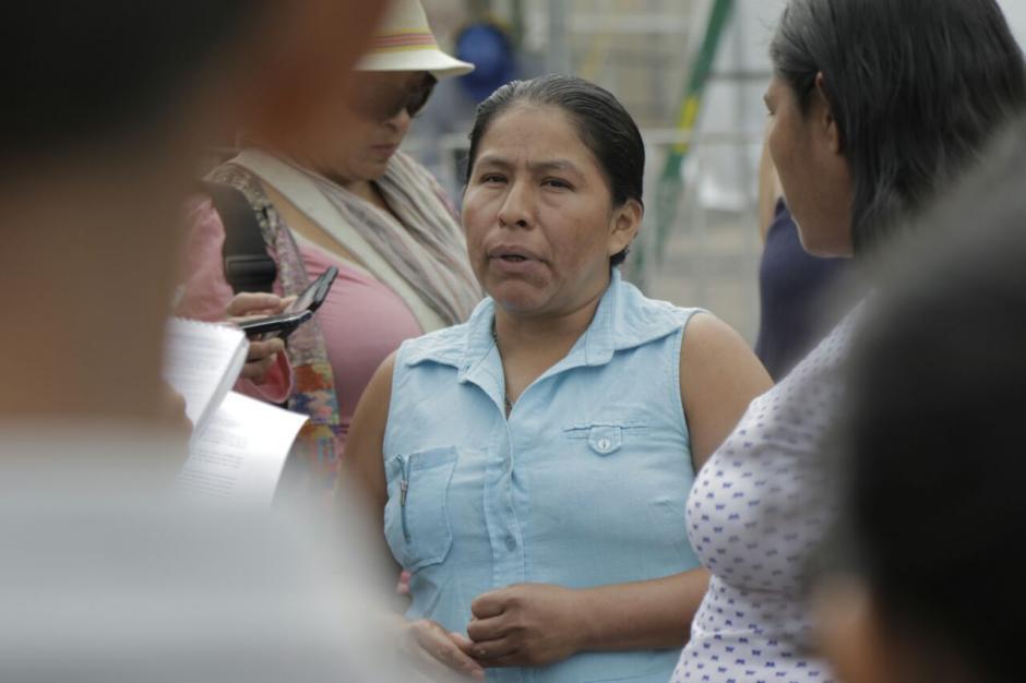 Rosa Linda Pérez exige justicia por la muerte de su hija en el Hogar Seguro. (Foto: Alejandro Balán/Soy502)