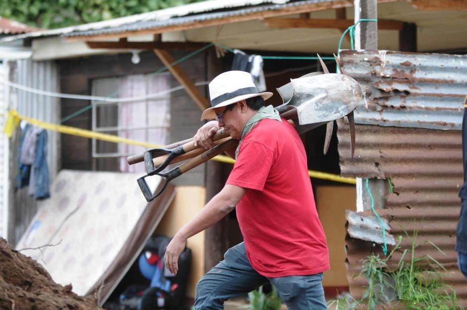 Las excavaciones continuarán dos días más en la búsqueda de restos humanos. (Foto: Jesús Alfonso/Soy502)
