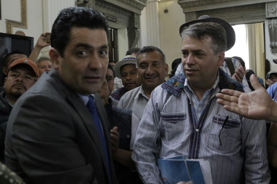 Los alcaldes no fueron atendidos por los jefes de bloque. (Foto: Alejandro Balán/Soy502)