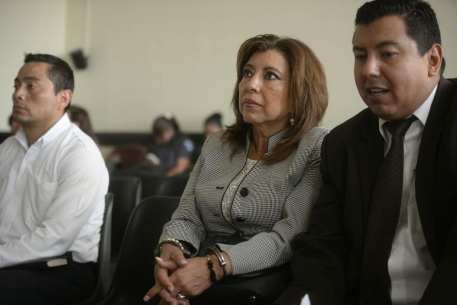 La exregistradora Anabella de León fue la primera capturada por este caso en septiembre de 2016. (Foto: Wilder López/Soy502)