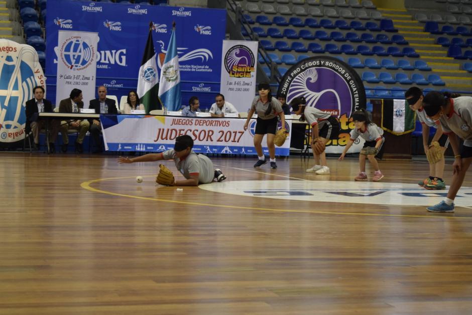 Hoy se inauguraron los juegos Deportivos para estudiantes ciegos y sordos. (Foto: Adriana Ligorría/Soy502)