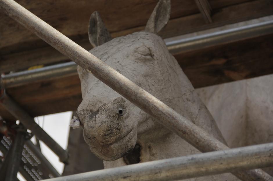 La fuente cuenta con varios detalles, como caballos dentro de su estructura. (Foto: Fredy Hernández/Soy502)